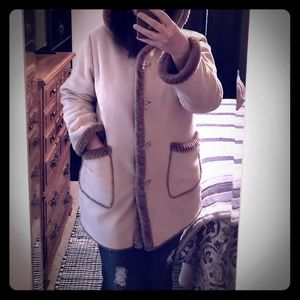 Winter Coat, cozy and warm. Great condition!